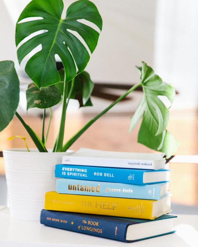 Sending out my 2020 book list, our bookclub read from this year , and 2021 books on the shelf to read tomorrow in my end of year review email! It's a mix of business and personal thoughts. Some house pics, thoughts about this year, and resolutions of sorts for next. Sign up link in profile to receive it all :)