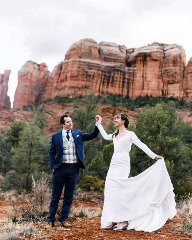 In Sedona 4 days this week while it's going to be 65 degrees. Not mad about it one bit 🤩  Emina & Trevor eloped last weekend in Sedona on Valentine's Day after having to cancel their small intimate wedding in Switzerland in 2020. It ended up being exactly what was suppose to happen, just as it always was. Moreeeee to come from their elopement. Excited to share!