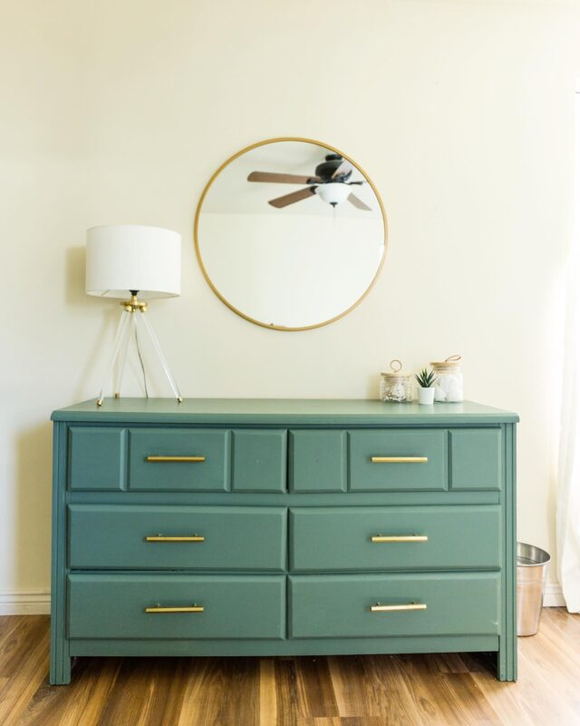 Remember that one time I bought a $15 dresser at Savers and turned it into a modern new one for my guest room?!! That happened right before I left for Hawaii and never shared it.  Here is all the deets:  Time: 5 hours or less Total Cost: $95 Dresser-$15 Savers Paint-$15 @kellymoorepaint Enchanted Forest ( I was matched Luxe which is @joannagaines top color of the year) @bbfrosch paint transformer- $15 Wax to seal -$9 Hardware from TJ MAX-$34  1.I ripped off base board and middle boards- cause….no thank you 1980's 2.Took off hardware 3.Sanded down using orbital sander 120 grit so it wasn't shiny in any spots. The BB Frosch paint transformer really helps in this area so I didn't need to do a complete sand down. 4.Mixed paint with @bbfrosch  5.Painted two coats  6.Put new hardware on (one got messed up…can you tell which one?) 7.Wax seal it twice!  I'd say it was a successful flip! Now I need to find another place to use this paint cause I'm obsessed with this color!!!   #DIY #dresserdiy #bbfroschchalkpaintpowder #bbfrosch #bbfroschinspiration #whenhannahmakesthings