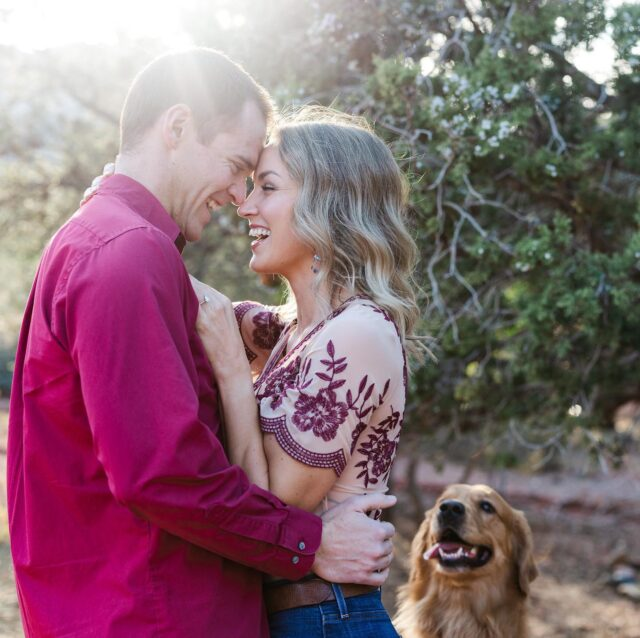 So excited for Paul & Courtney's Grand Canyon wedding todayyyyy! I just had to get some of the good shots from their engagement session out there before their wedding pics! Yes, the doggies will be at the wedding 🤗
